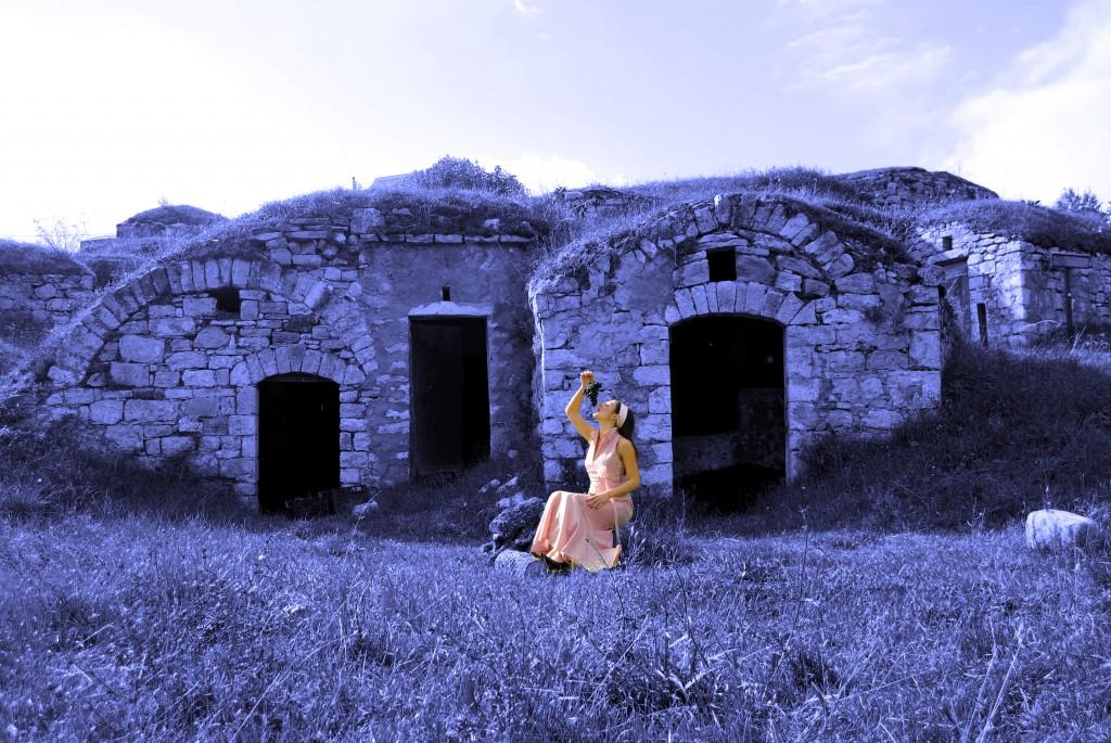 vestito rosa blu realizzato a mano