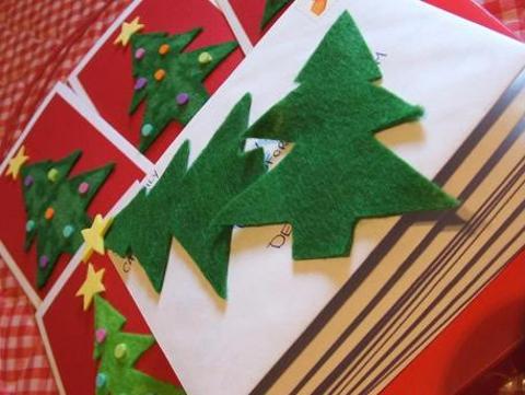 Albero Di Natale Alluncinetto Semplicissimo.Un Albero Di Natale In Stoffa Lavori Creativi
